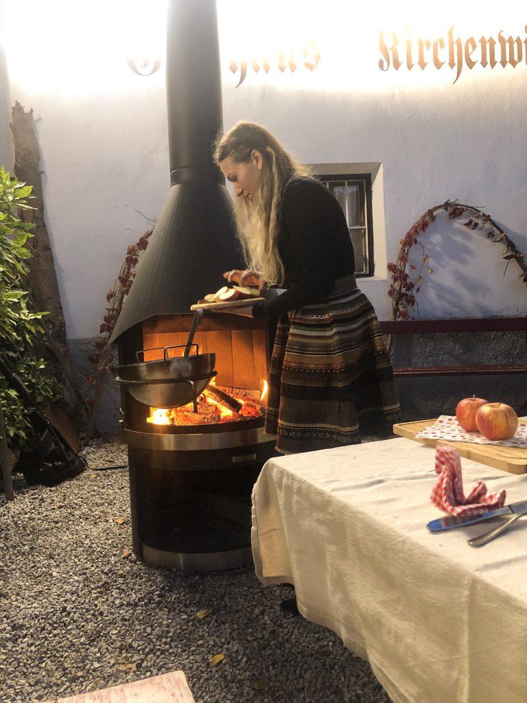 Bienenhof Zillertal Tirol Feuer  Winter Küche Winter Rezepte Weihnachtsessen Alpen Alpenkuche